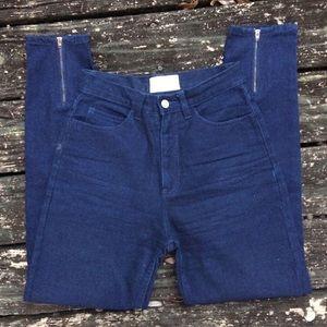 Denim - Vintage High Waisted Jeans